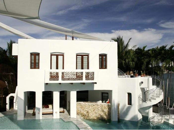 $22.5 Million Modern Mediterranean Mansion in Miami Beach, Florida - Tiered Pool