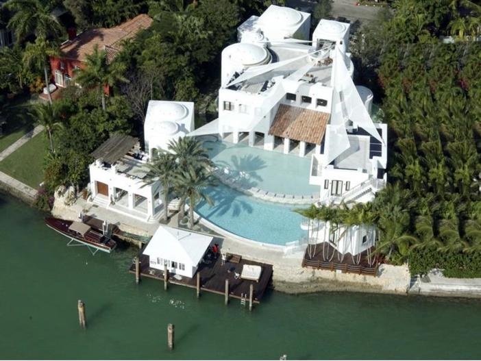 $22.5 Million Modern Mediterranean Mansion in Miami Beach, Florida