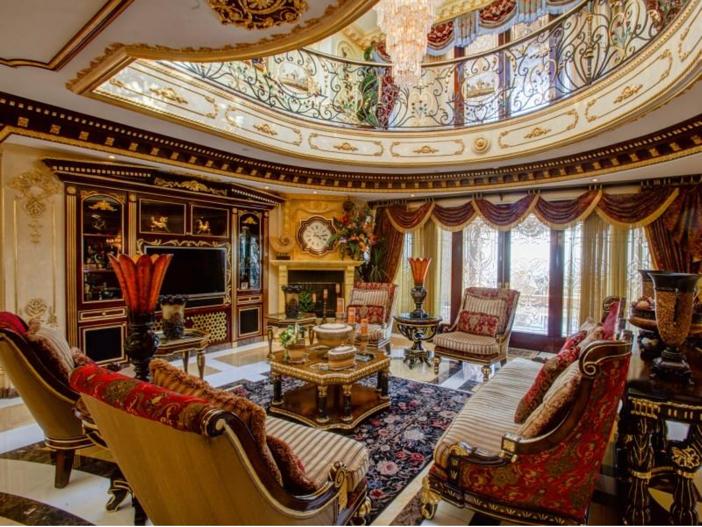 $38.8 Million Stunning Mansion in Los Angeles, California - Ornate Sitting Room