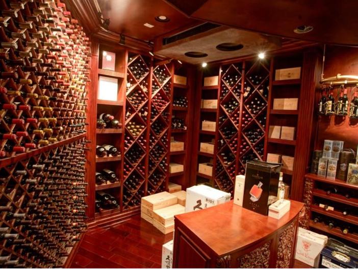 $38.8 Million Stunning Mansion in Los Angeles, California - Wine Cellar