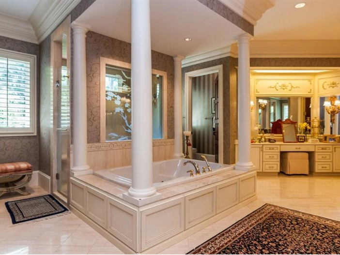 $7.8 Million Luxurious Estate in Raleigh, North Carolina - Bathroom