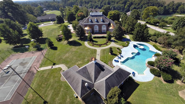$2.9 Million Grand Estate in Bowling Green, Kentucky 2
