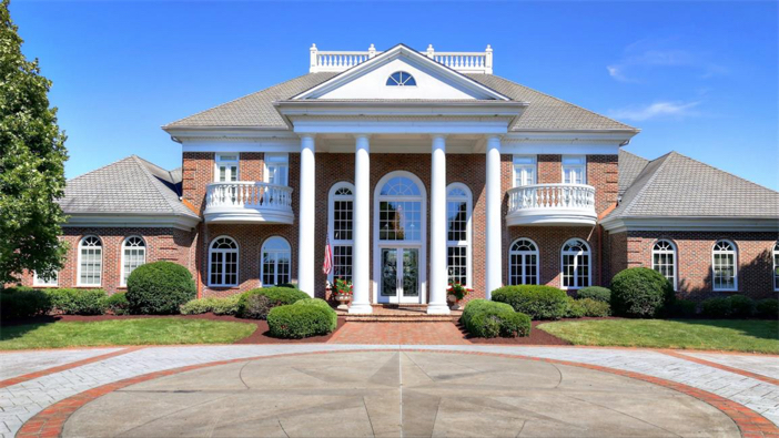 $2.9 Million Grand Estate in Bowling Green, Kentucky