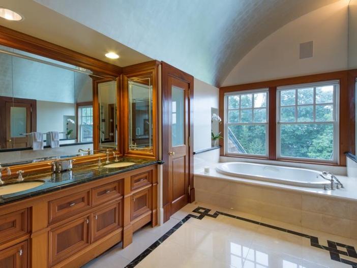 $22 Million Coastal Shingle Style Home in New York 16