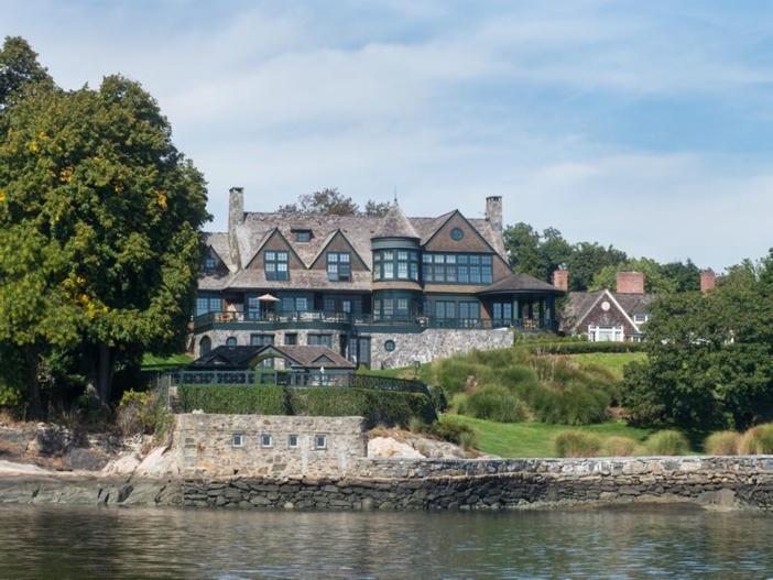 $22 Million Coastal Shingle Style Home in New York 2