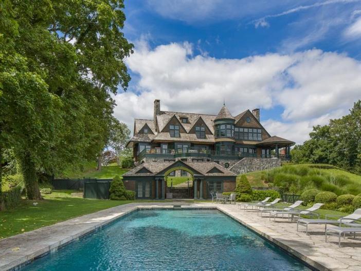 $22 Million Coastal Shingle Style Home in New York 3