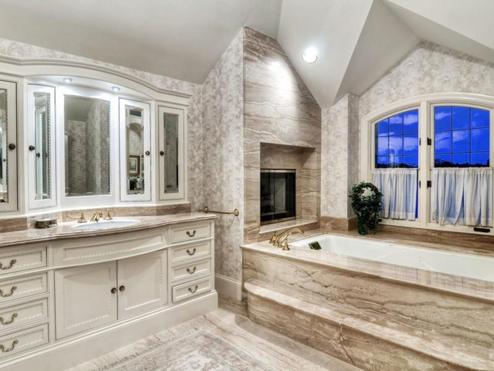 $10.9 Million Parisian Style Manor in Newport Beach, California 13