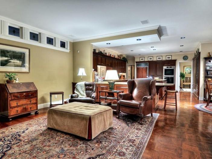 $10.9 Million Parisian Style Manor in Newport Beach, California 8