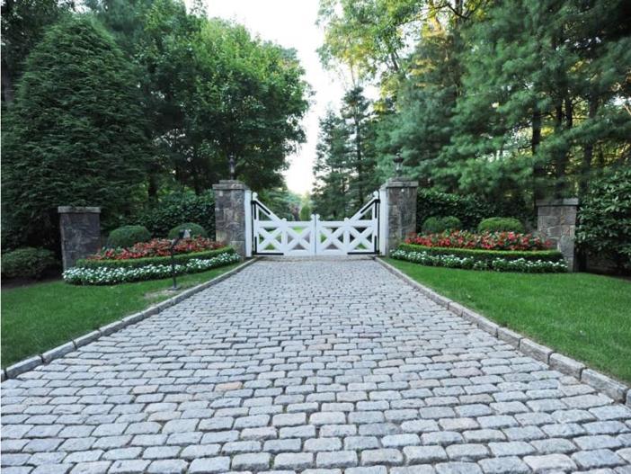 $12.4 Million Georgian Brick Mansion in Greenwich, Connecticut 2