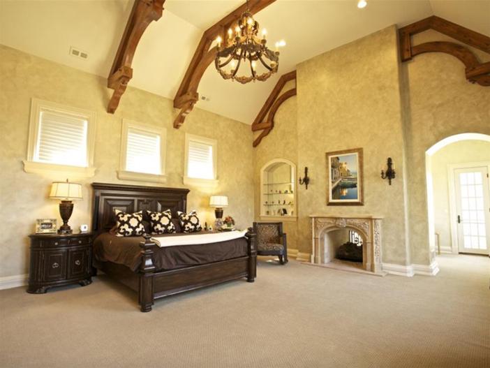 $3.9 Million Majestic Stone Mansion in Barrington Hills, Illinois 10