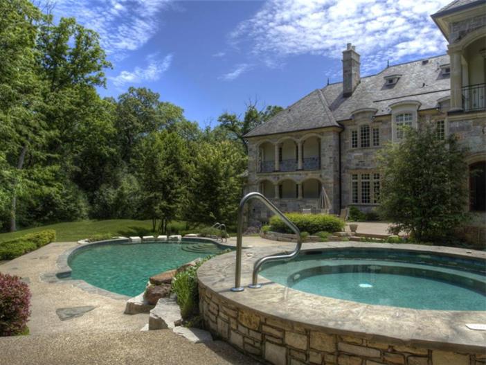 $3.9 Million Majestic Stone Mansion in Barrington Hills, Illinois 15