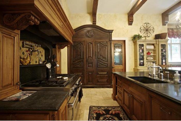 $3.9 Million Majestic Stone Mansion in Barrington Hills, Illinois 7