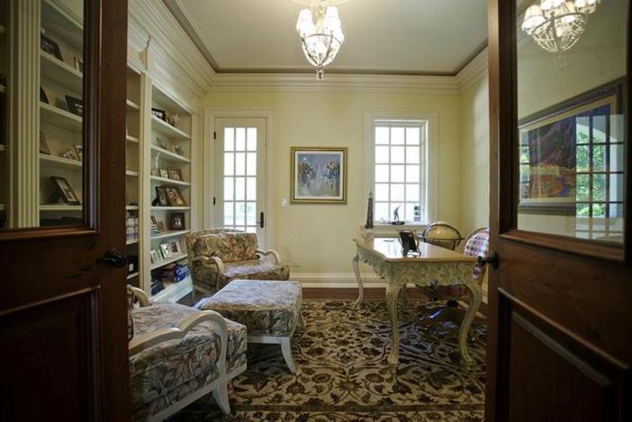 $3.9 Million Majestic Stone Mansion in Barrington Hills, Illinois 9