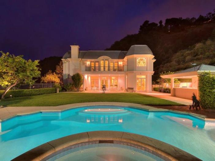 $9.9 Million Elegant Architecture in Los Angeles, California 13