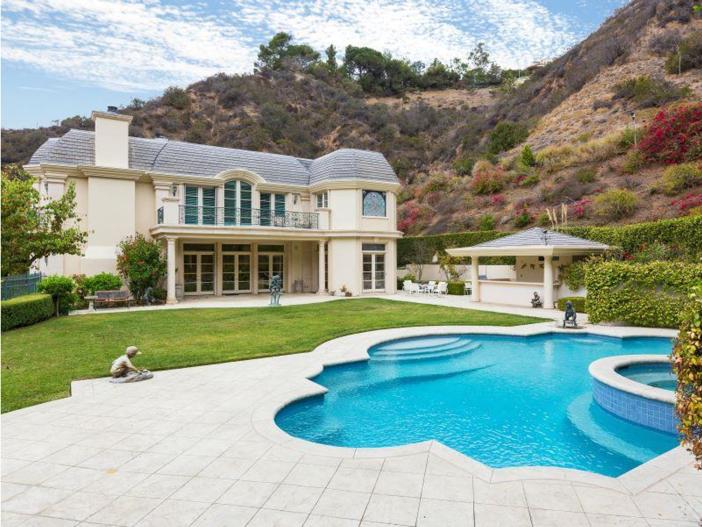 $9.9 Million Elegant Architecture in Los Angeles, California 14
