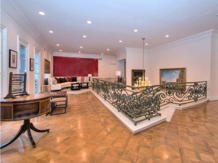 $9.9 Million Elegant Architecture in Los Angeles, California 15