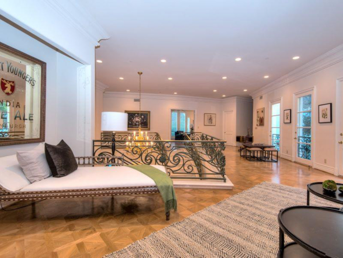 $9.9 Million Elegant Architecture in Los Angeles, California 16
