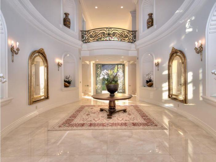 $9.9 Million Elegant Architecture in Los Angeles, California 3