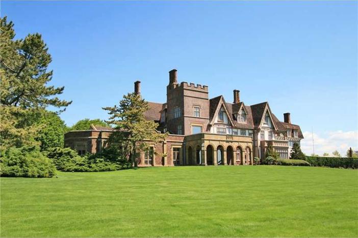 $16.9 Million Historic Oceanfront Estate in Newport Rhode Island 2