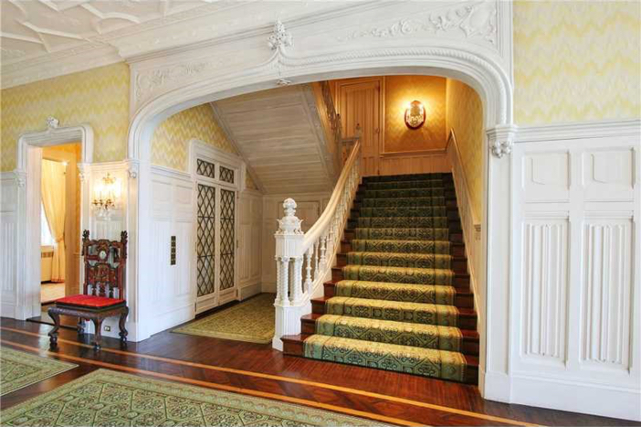 $16.9 Million Historic Oceanfront Estate in Newport Rhode Island 3