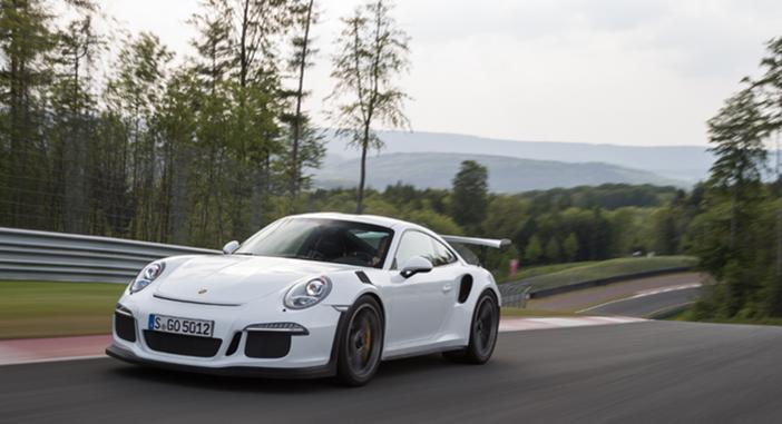 Porsche-911-GT3-RS-Track
