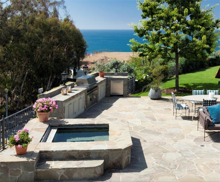 $21.9 Million Traditional Mansion in Pacific Palisades California 11