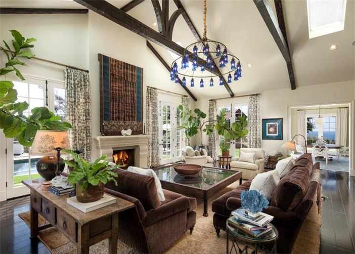 $21.9 Million Traditional Mansion in Pacific Palisades California 3