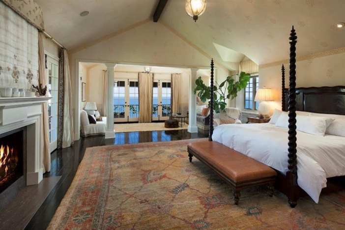 $21.9 Million Traditional Mansion in Pacific Palisades California 7
