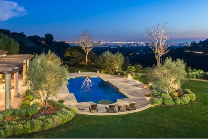$37.9 Million Stunning Mansion in Beverly Hills California 11