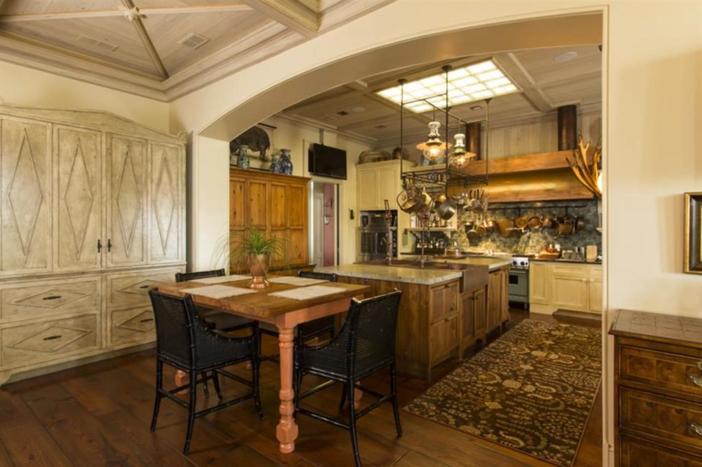 $12.5 Million Paula Deen Riverbend Estate in Savannah Georgia 9
