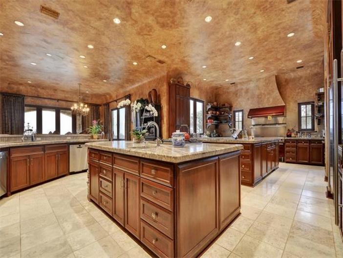 $12.9 Million Spanish Mansion in Austin Texas 17