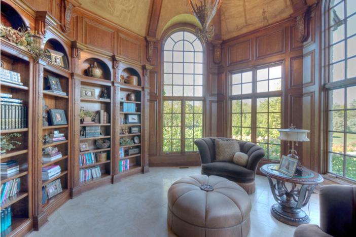 $3.9 Million Stone Manor in Saint Charles Illinois 4