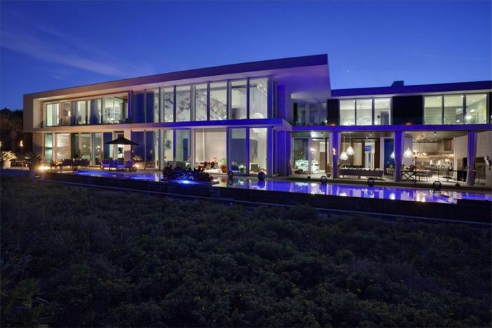 $35 Million Modern Oceanfront Mansion in Vero Beach Florida