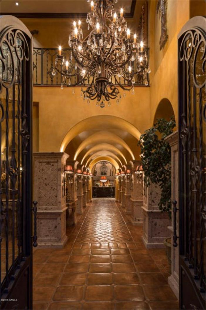 $5.5 Million Mediterranean European Villa in Paradise Valley Arizona 4