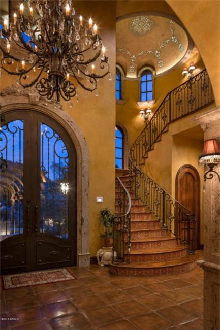 $5.5 Million Mediterranean European Villa in Paradise Valley Arizona 5