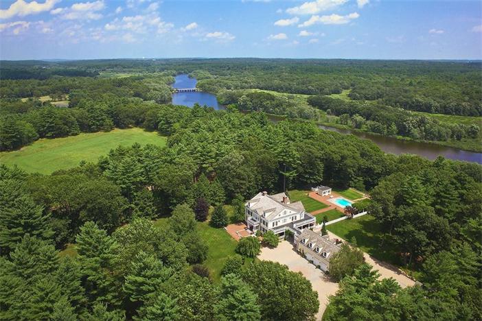 $5.9 Million Country Estate in Carlisle Massachusetts 2