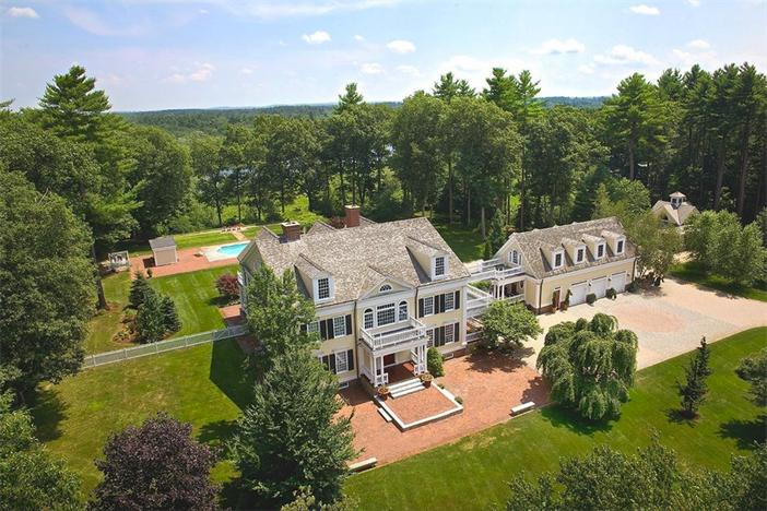 $5.9 Million Country Estate in Carlisle Massachusetts
