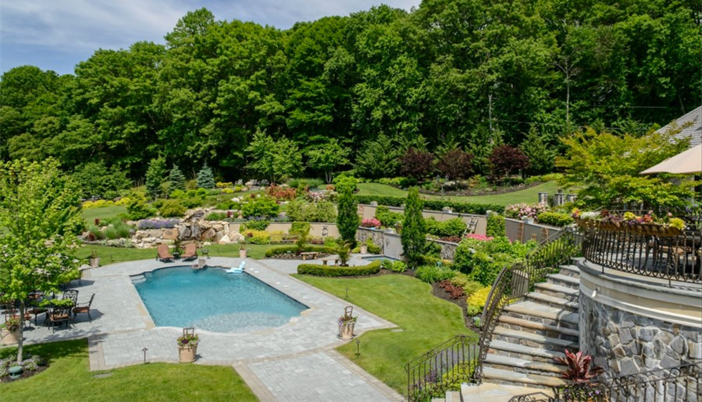 $14.5 Million Hilltop Colonial Mansion in New York 15