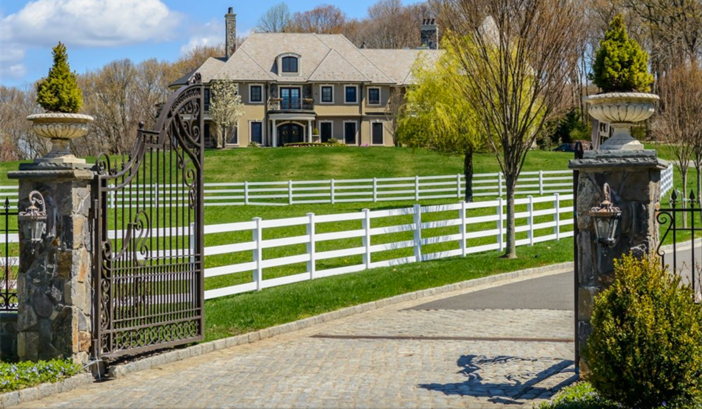 $14.5 Million Hilltop Colonial Mansion in New York 3