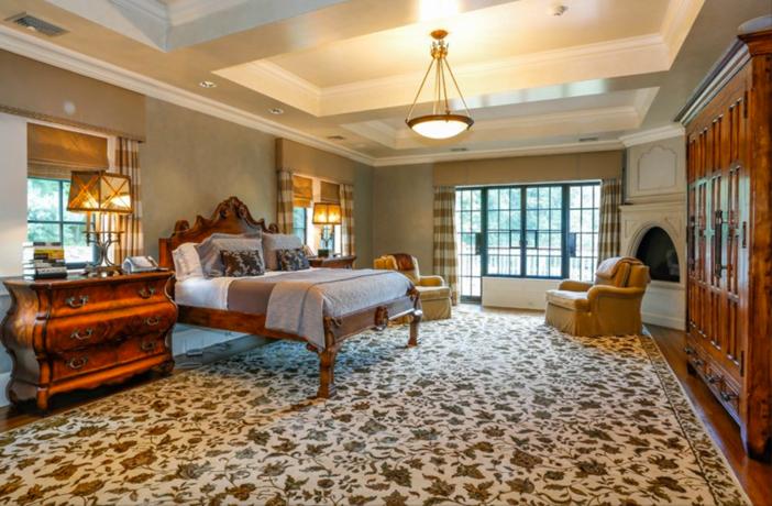 $19.9 Million Georgian Stone Mansion in New York 12