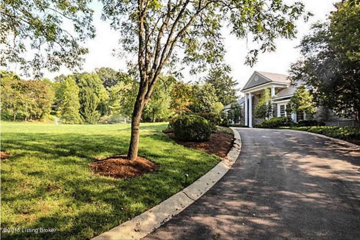 $2.75 Million Traditional Luxurious Mansion in Prospect Kentucky 2