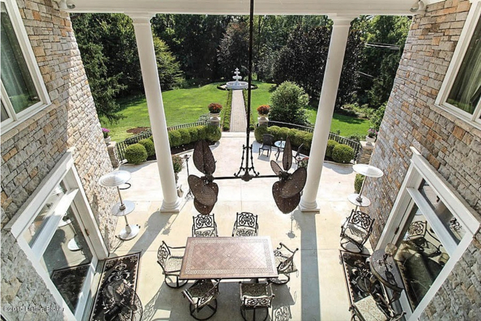 $2.75 Million Traditional Luxurious Mansion in Prospect Kentucky 23
