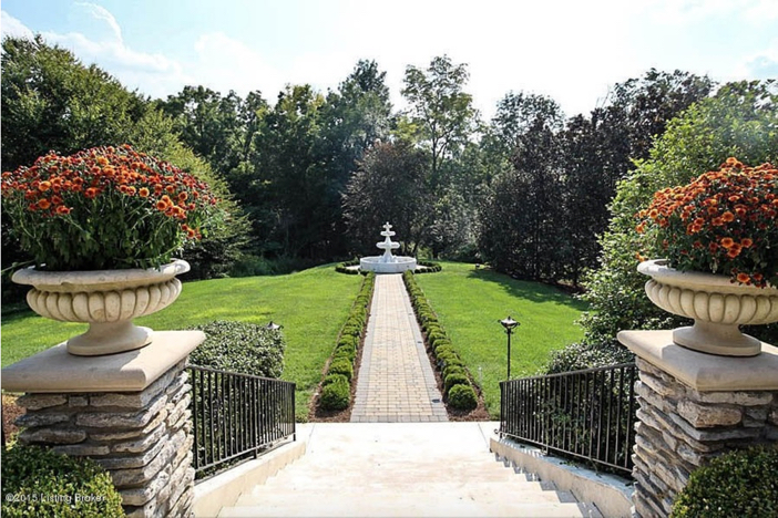 $2.75 Million Traditional Luxurious Mansion in Prospect Kentucky 25