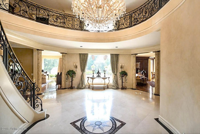 $2.75 Million Traditional Luxurious Mansion in Prospect Kentucky 5