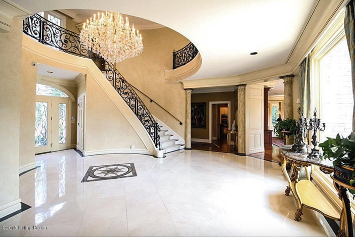 $2.75 Million Traditional Luxurious Mansion in Prospect Kentucky 7