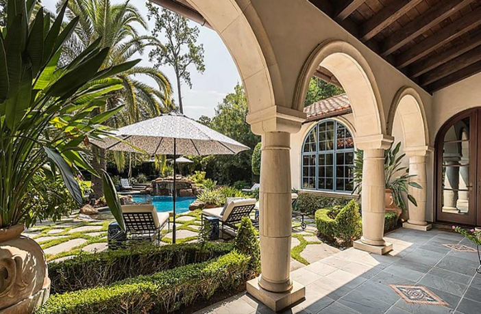 $8.9 Million Classic Mediterranean Estate in Houston Texas 10