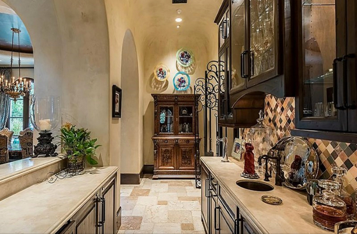 $8.9 Million Classic Mediterranean Estate in Houston Texas 4