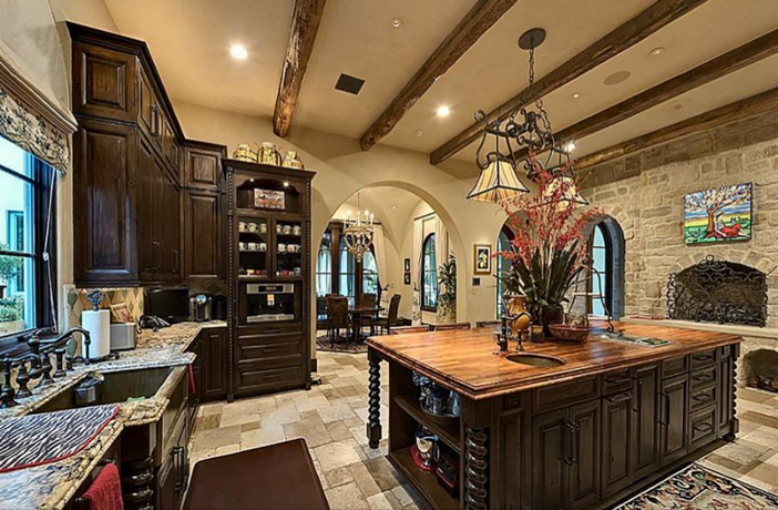 $8.9 Million Classic Mediterranean Estate in Houston Texas 7