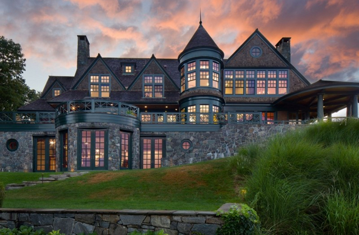$22 Million Stunning Coastal Mansion in New York 18