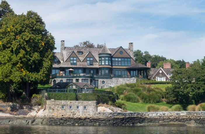 $22 Million Stunning Coastal Mansion in New York 3